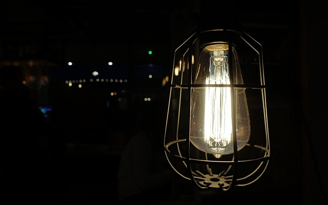 Oprawy przeciwwybuchowe LED – zastosowanie w lakierniach