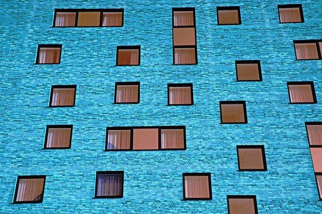 Zalety okien wykonanych z drewna.