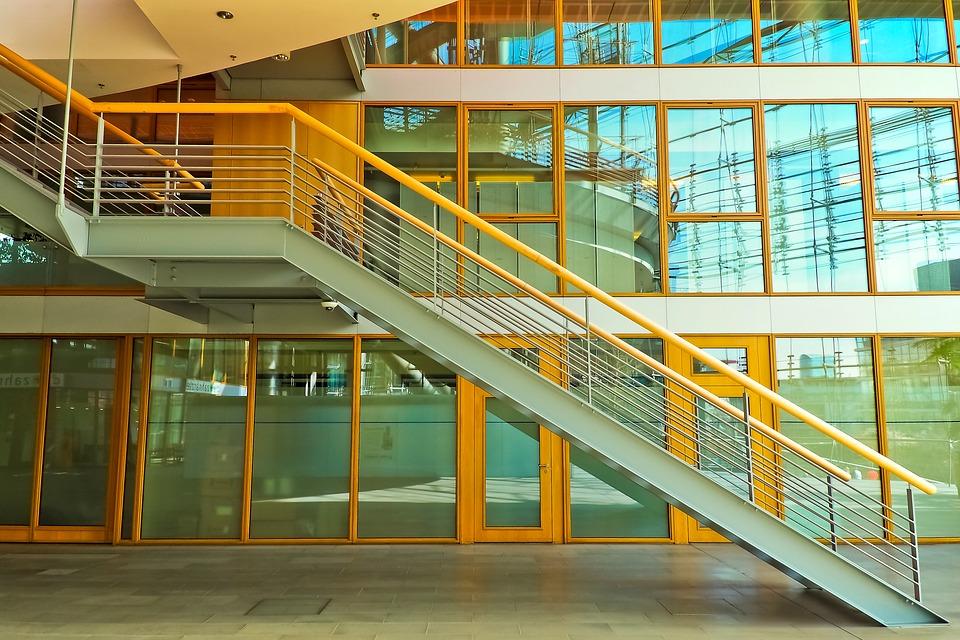 szklane balustrady wybierane w krakowie
