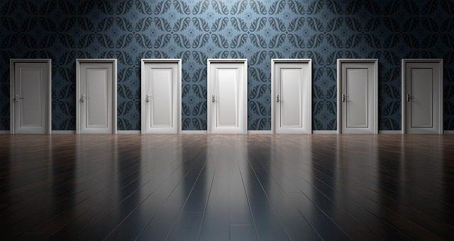 Modne modele drzwi drewnianych