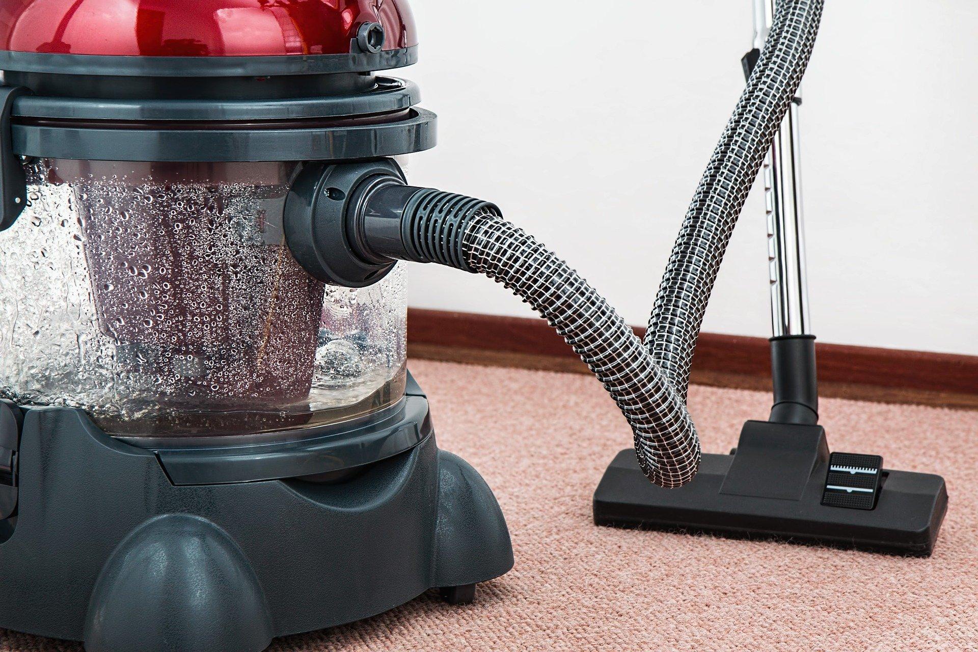 Read more about the article Po czym poznać dobrą firmę sprzątającą?